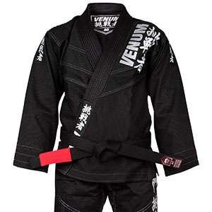 kimono venum color negro